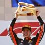 Max Verstappen se raduje z vítězství